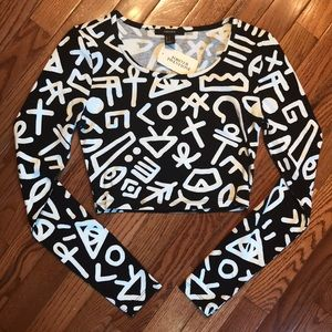 Black and white printed crop top